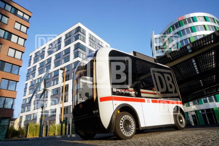 Deutsche Bahn stellt ersten autonom fahrenden Busverkehr in Deutschland vor