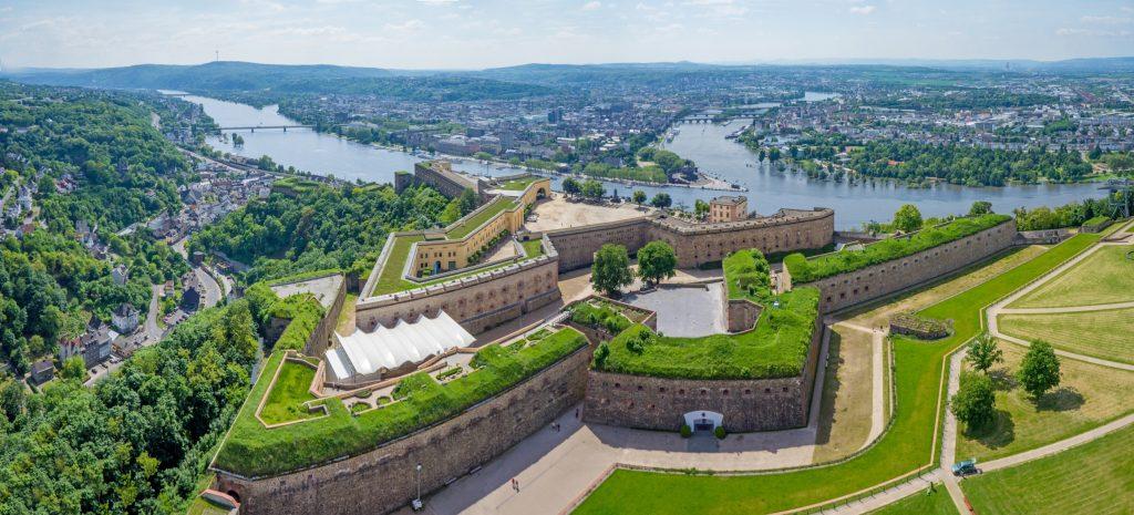 Panorama-Luftaufnahme mit Blick auf Festung Ehrenbreitstein und das Deutsche Eck - www.lufthelden.de