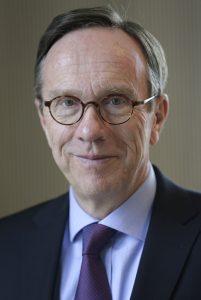 Matthias Wissmann, Praesident des Verbandes der Automobilindustrie (VDA), DEU, Berlin, 19.02.2014 [ (c) Jens Schicke, Schlegelstrasse 6, 10115 Bln., 0172-2523069, 030-28098190, jens.schicke@t-online.de, Kto 3164845, BLZ 38070024, D E U T S C H E B A N K B O N N, Foto ist honorarpflichtig + 7% MwSt. - Veroeffentlichung nur zu journalistischen Zwecken - no Model Release ! ]